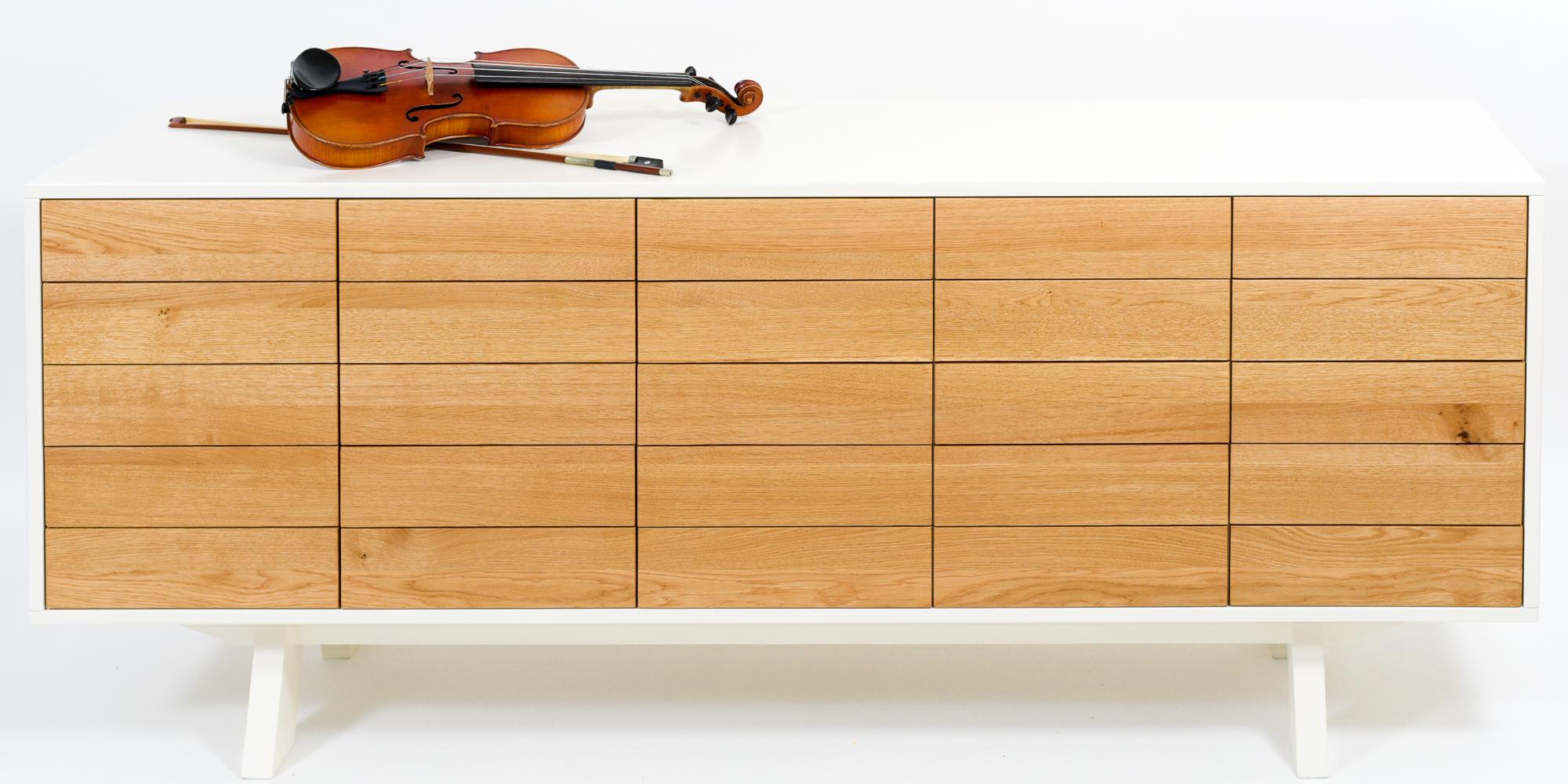 ladekast met viool