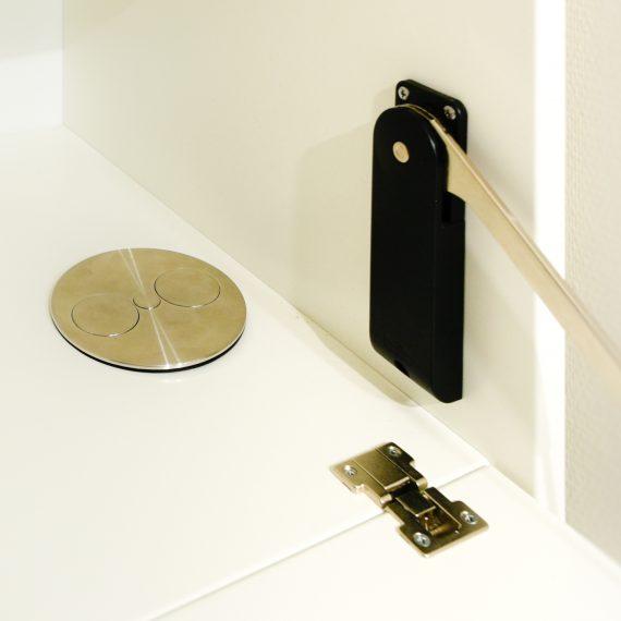 stopcontact in bureaublad